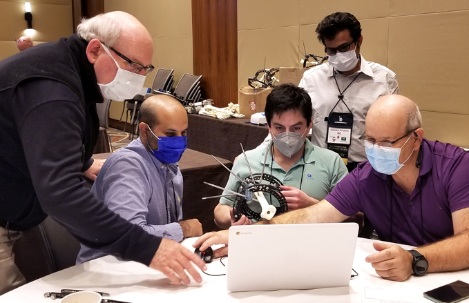 Dr. John Herzenberg teaching students how to use software to correct deformities