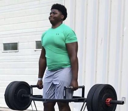 Tamarus weightlifting